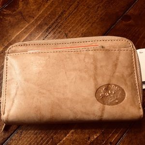 NWT ladies Buxton leather wallet.